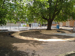 Quiet Garden 02005-05-29 #1