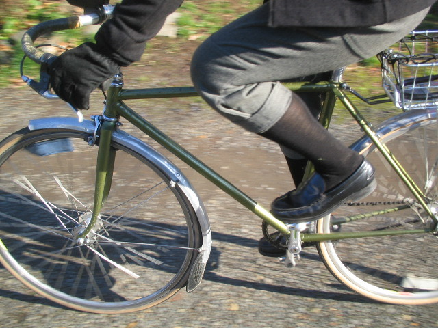 Whipcord breeches w/cycling loafers