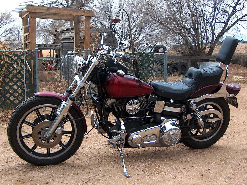 1976 FXE Harley Davidson Shovelhead | Cowbell horn cover rep