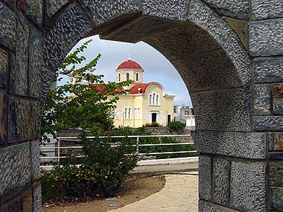 Exo Mouliana - Blick auf die Kirche