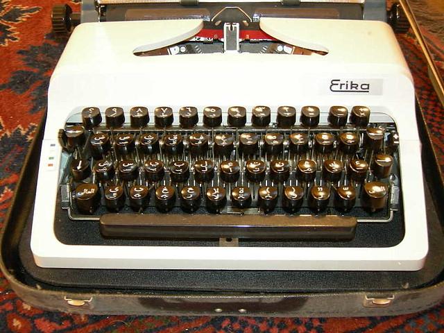 Erika 50/60 Arabic typewriter