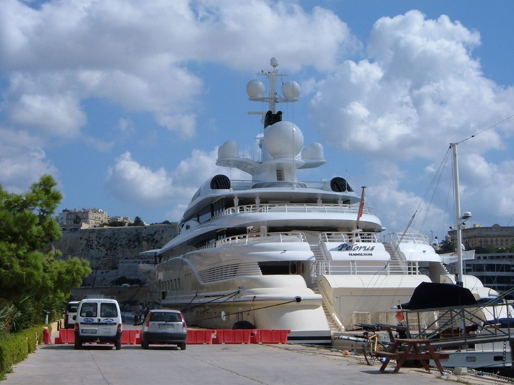Abramovich S Yacht Pelorus Anchored At Malta Happytigress Flickr