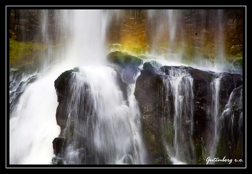 As Faces da Cachoeira / The faces of the Waterfall / Les visages de la chute d'eau | by Gutemberg Ostemberg