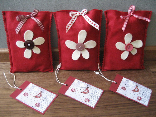 FAA Lucky Parcel red -sent