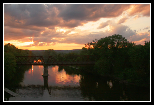 bridge sunset summer reflection nature water clouds river landscape gold evening northampton massachusetts newengland sunrays sunbeams connecticutriver dragondaggeraward