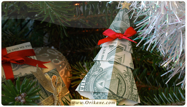 How to Make a Money Tree | A Stylish Way to Give Cash for Christmas | Curbly | 367x640
