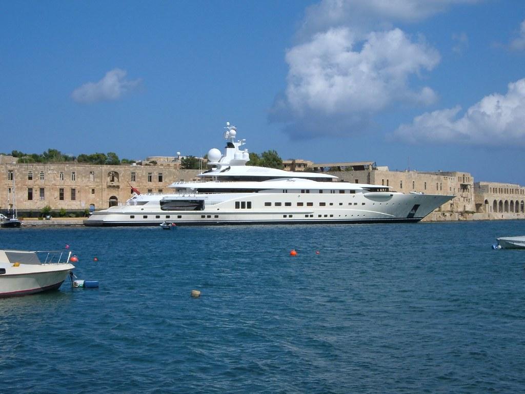Abramovich S Yacht Pelorus Sailing Into Malta Harbour Flickr
