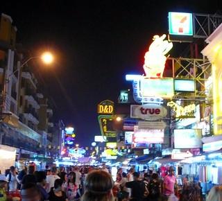 crazy kao san road, bangkok | by hopemeng