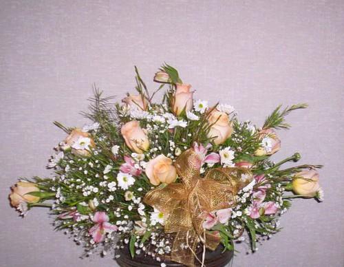 Cod 33 Floral Ovalado En Rosas Canasto Base De Madera En