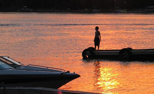 blue light sunset shadow summer orange lake color reflection water minnesota silhouette contrast boat dock mood atmosphere wayang belletaine wayangpuppets holidaysvacanzeurlaub