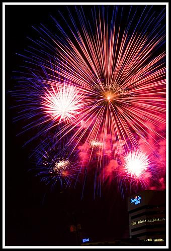 longexposure nightphotography 20d interestingness personal fireworks columbusohio l atnight 2470mm redwhiteandboom fireworksdisplay fensterbme canon2470mm interestingness85 interestingness129 i500 canonllens canon2470mmf28l fenstermacherphotography explore03jul07 redwhiteandboom2007