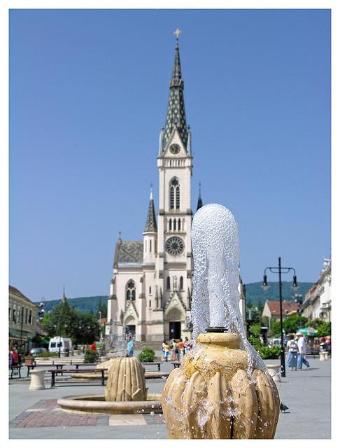 Kőszeg - Sacred Heart Church an the fountain