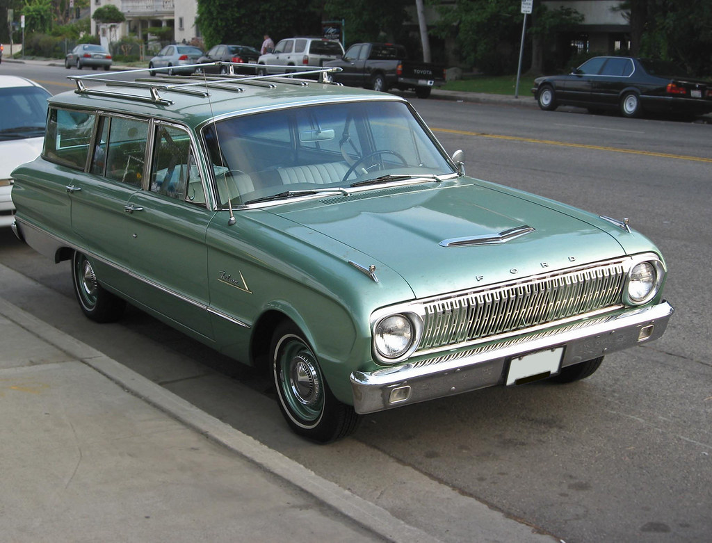 1962 Ford Falcon wagon front 3q | The fake hood scoop was a