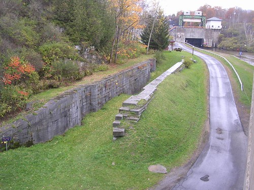 newyork canal littlefalls upstatenewyork erie eriecanal lock17 olderiecanal historyusa lock36 locke17