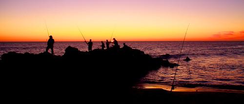 ocean black beach lamp fishing waves indian rod yanchep capricorn sillouete clubcapricorn ianmoran ianmoran1970