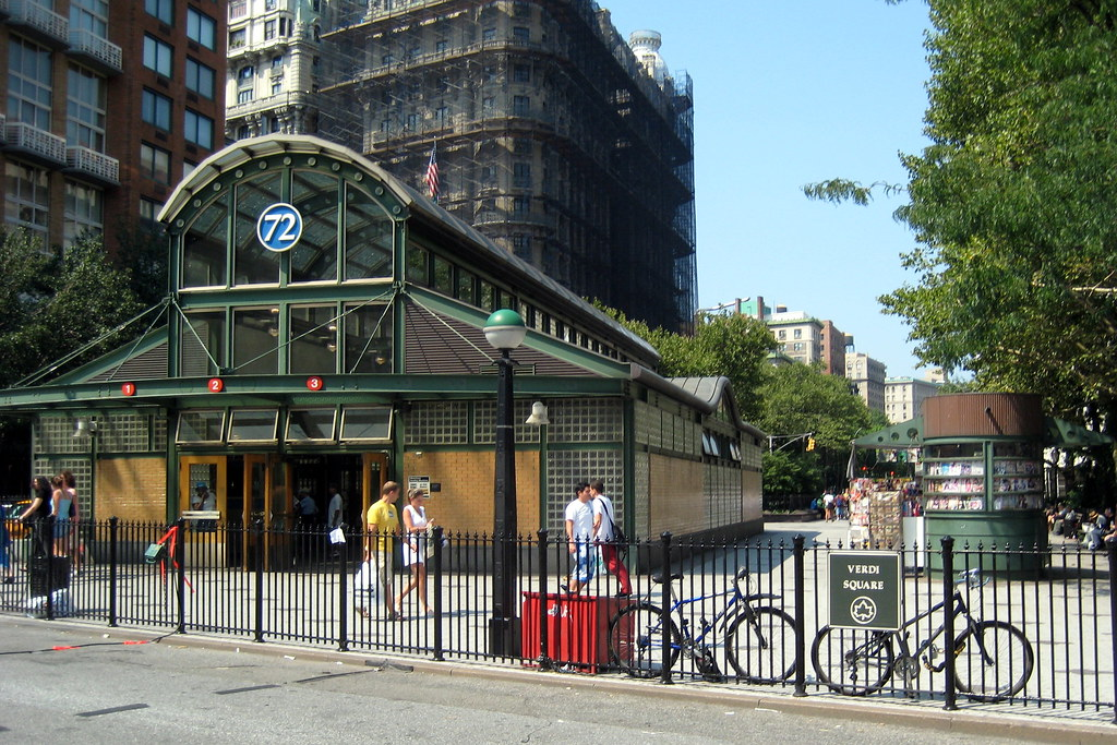 72nd Street Subway Map.Nyc Uws 72nd Street Subway Station And Verdi Square Flickr