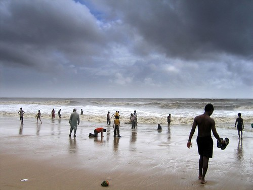 sea india beach rain clouds waves a95 monsoon mumbai juhu borivali2bandra 2007monsoon monsoonmoodsofmumbai upcoming:event=5614136