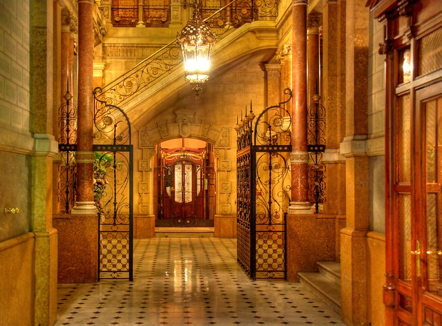 Portal - Casa Sebastià Pratjusà - Barcelona