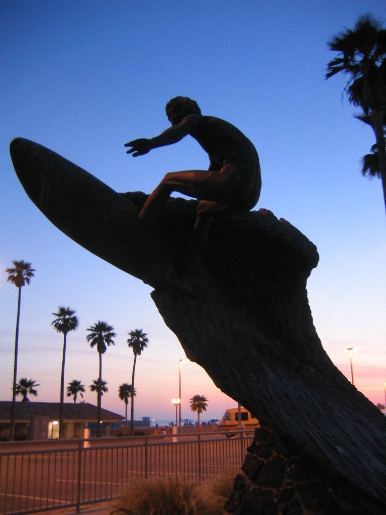 GC1QZNN Huntington Beach Landmark - Nude Dude (Traditional