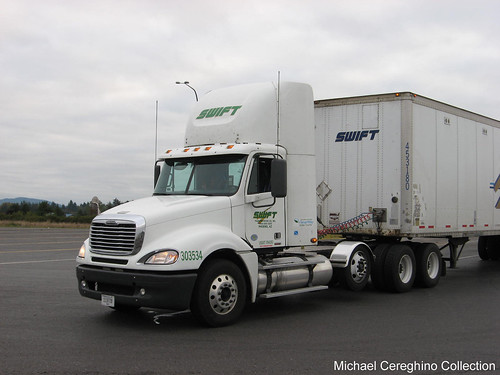 tractor truck 4 quad columbia transportation swift trailer heavy haul axle freightliner daycab dryvan