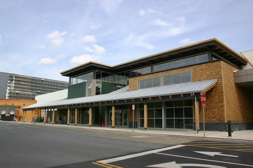 004_4 L L  Bean Colonie Center shopping Feldman Mall prope
