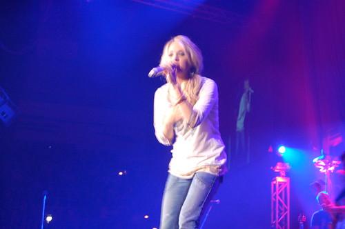 Carrie Underwood   by Dizzy Girl