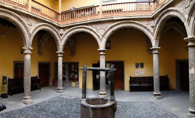 Museo Casa Colon patio del pozo barrio de Vegueta Las Palmas de Gran Canaria 12