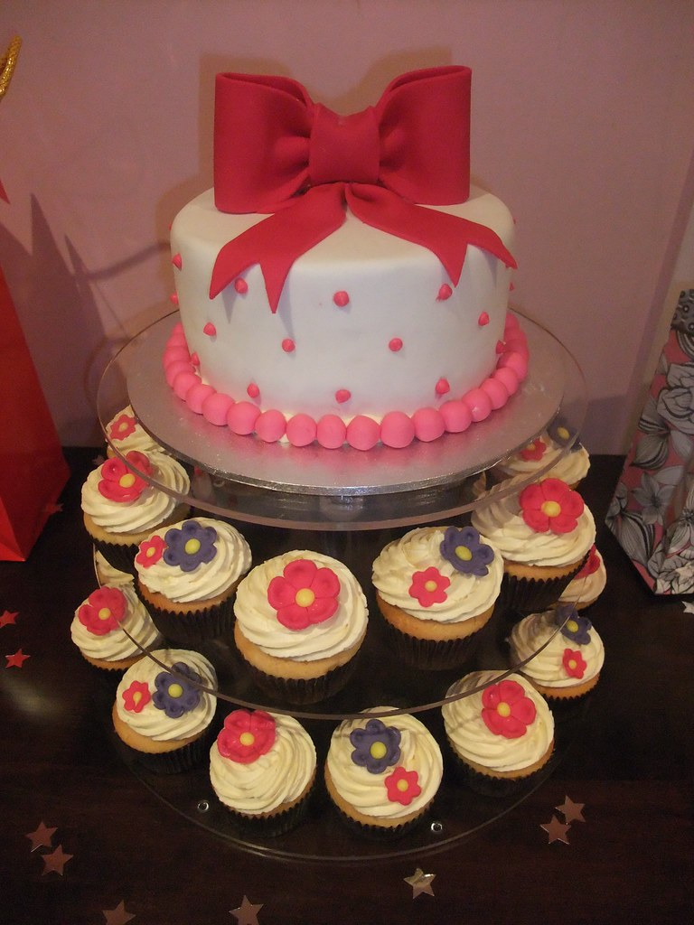 Amazing My 22Nd Birthday Cake Chocolate Mudcake With Dark Choc Gan Flickr Birthday Cards Printable Trancafe Filternl