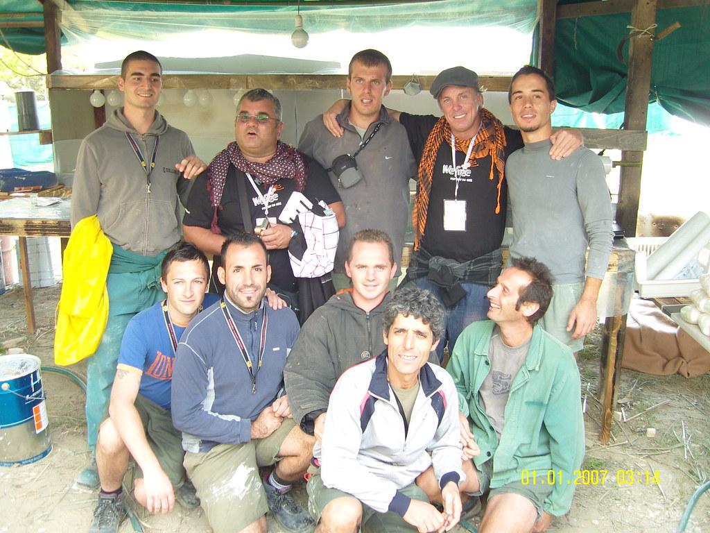 d1a1c620806 ... Foto di gruppo  i ragazzi di Sanpa che hanno curato l allestimento del  Villaggio
