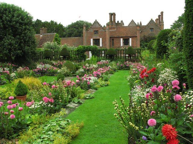 Superb Chenies Manor House Sunkun Garden Buckinghamshire Download Free Architecture Designs Rallybritishbridgeorg