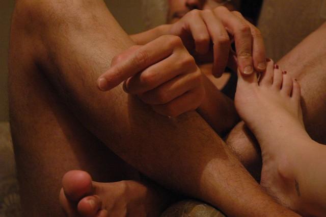 Desnudo de pies y manos