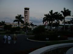 Lapangan Terbang Antarabangsa V C Bird