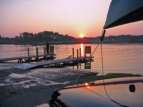 sunset reflection kayak jeep michigan jk casslake jeepexperience