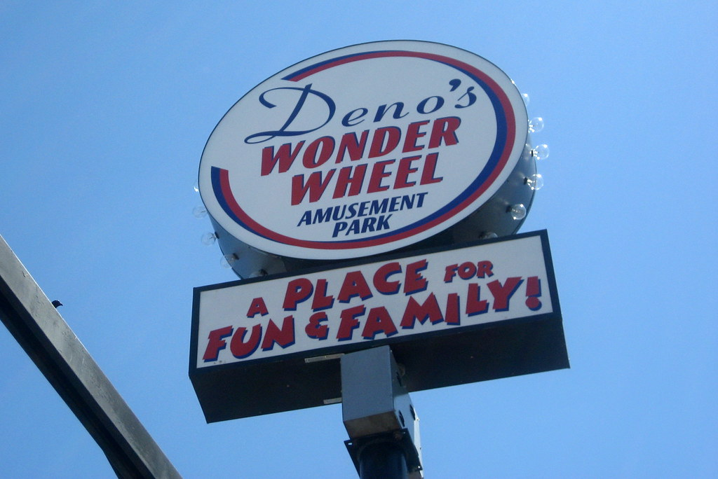 NYC - Coney Island - Deno's Wonder Wheel Amusement Park