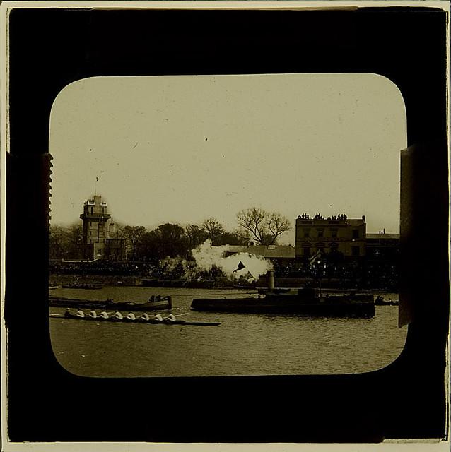 ?Boat Race passing the Bulls Head pub, Barnes ca 1910 | Flickr