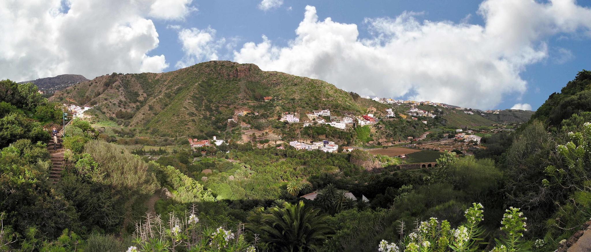 Vista Barranco Guiniguada desde Jardin Canario Gran Canaria Islas Canarias