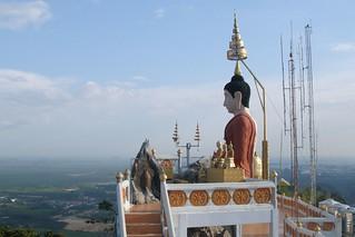 Wat Tham Seua Buddha shrine (2007-02-786) | by Argenberg