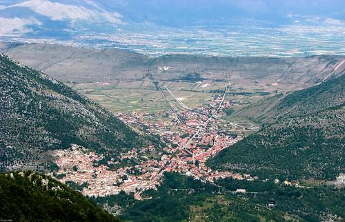 italy panorama geotagged italia 2006 paesaggio abruzzo lansdscape laquila fucino avezzano capistrello geo:lat=419399209924535 geo:lon=133626213718897