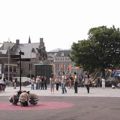 tourists at Binnenhof, Den Haag