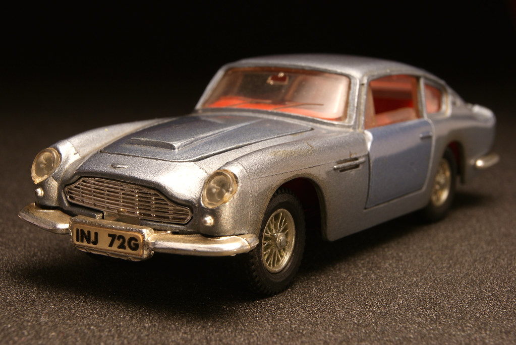 Dinky Toys 153 Aston Martin Db6 Early Examples Of Dinky S Flickr