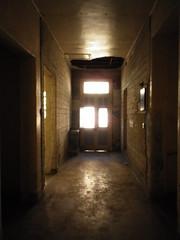 Corredor térreo - porta de entrada