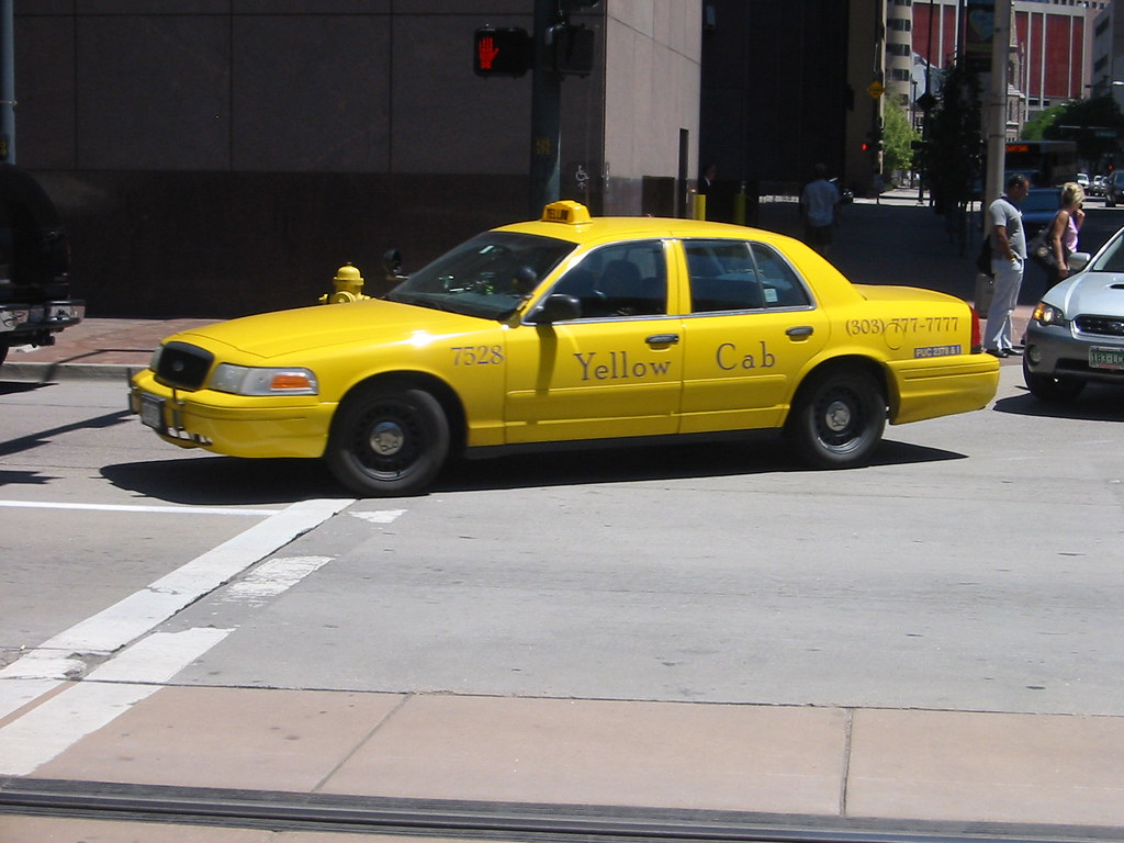 Yellow Cab Denver >> Ford Crown Victoria Taxi Cab A Typical American Taxi The