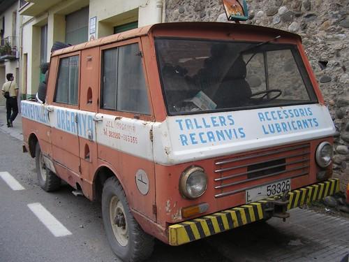 Jeep grua a Organyà (Lleida)