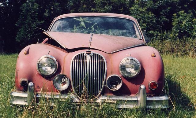 Uncle Jimmy's Jaguar MK II 3.4 ....needs a little work !