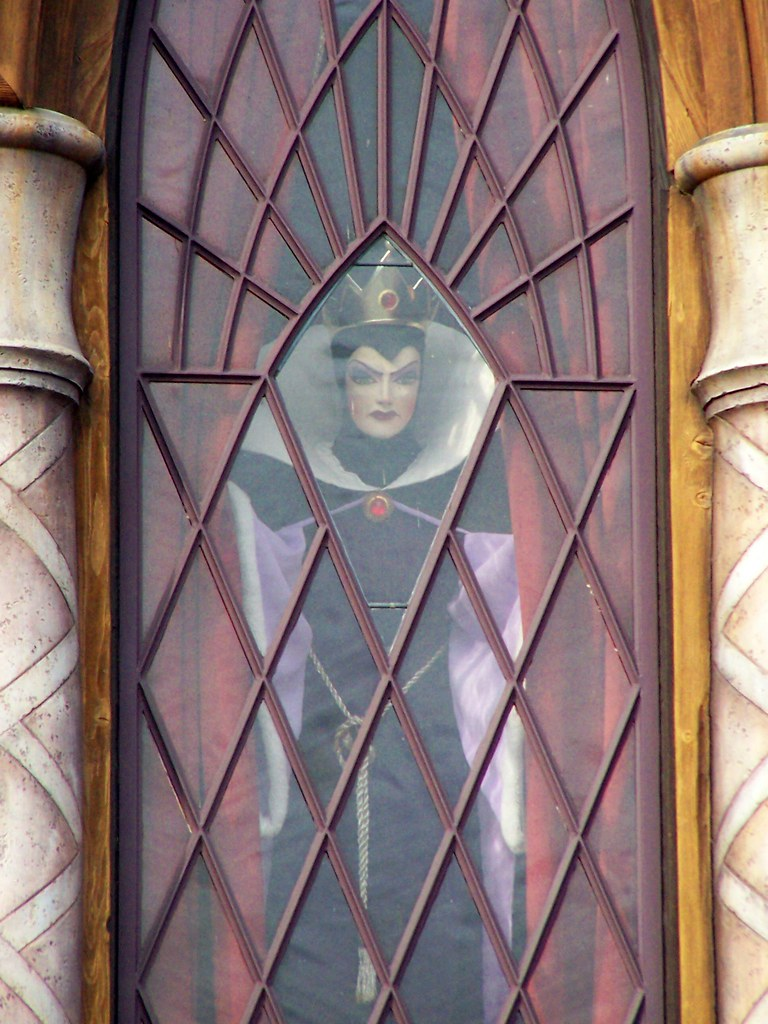 Image result for evil queen snow white's scary adventures