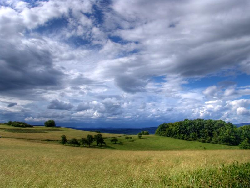 diverse Wolken