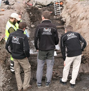 Archaeological excavation, district heating, inspection | by NIKU - Arkeologi
