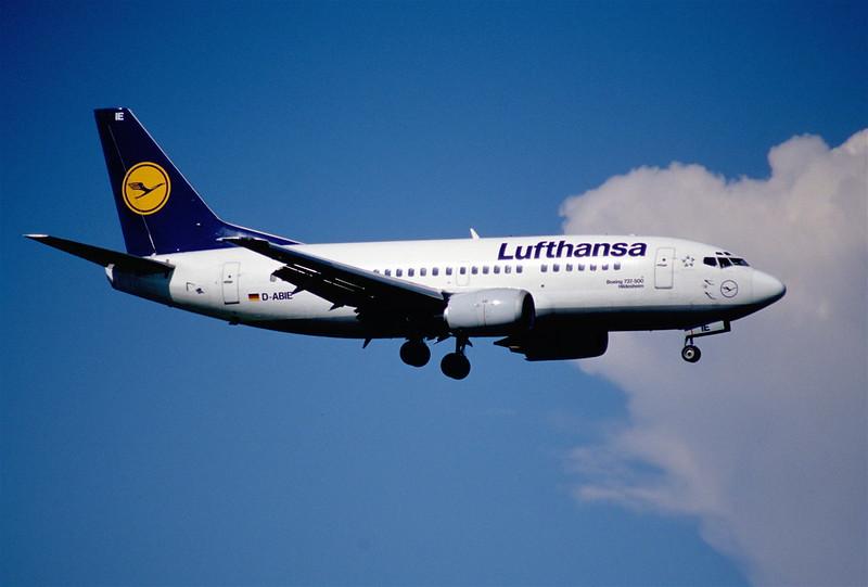 103de - Lufthansa Boeing 737-530; D-ABIE@ZRH;11.08.2000