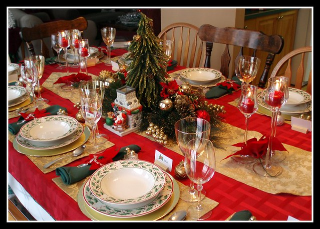 Christmas Table Settings.Christmas Table Setting Table Is Set For Christmas Eve Din