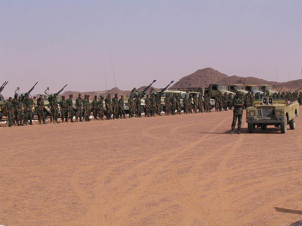 Soldadu saharauiak - Polisario troops   Saharawi troops near…   Flickr